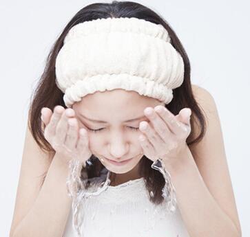 夏季脸部护理的正确步骤