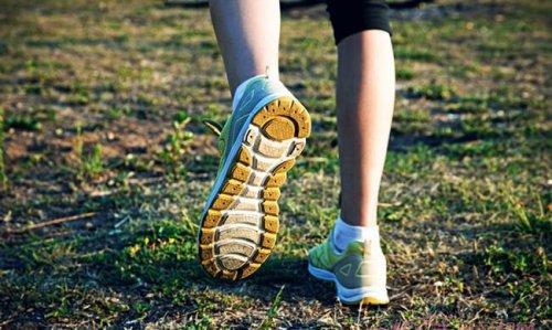 小腿浮肿是什么原因引起的