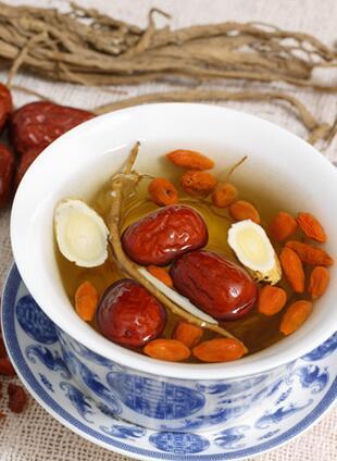 红枣枸杞茶的功效:好喝又养颜