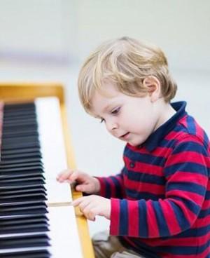 手指短的人适合弹钢琴吗?哪些人不适合弹钢琴?