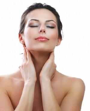 如何自己做面部排毒 注重日常护理排除面部毒素