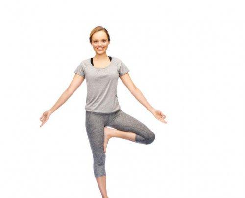 推荐适合上班族做的健康瑜伽小运动