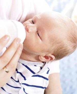 新生儿脑瘫表现有哪些 治疗新生儿脑瘫的方法