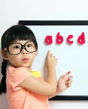 儿童弱视散光怎么办 越早治疗越好