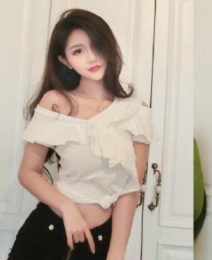 肩颈线不够完美的妹子 试试这些T恤吧!