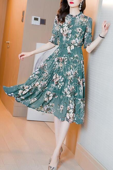 40岁女人穿什么裙子好看?穿上这五款裙子很显气质