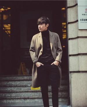 男款英伦风大衣外套穿得帅气有型!