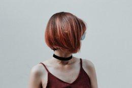 齐脖的中短发微卷发发型 短发怎样剪层次
