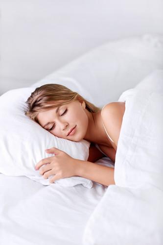 轻巧妙招缓解更年期女性失眠问题