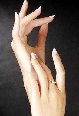灰指甲的初期症状 及早治疗灰指甲