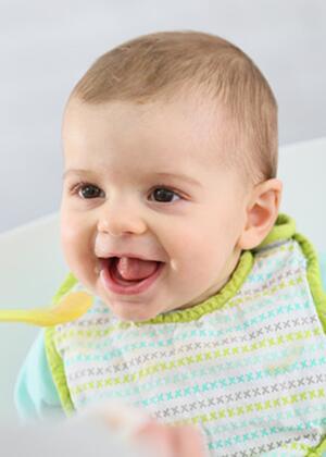 核桃小米银耳粥助宝宝健康度过秋季