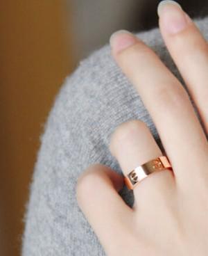 卡地亚戒指款式及图片分享