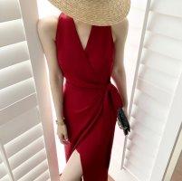 红色衣服怎么搭配 红色显白还是显黑