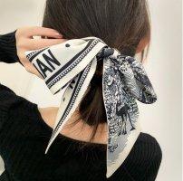 丝巾材质起源介绍 丝巾的系法怎么系才漂亮?