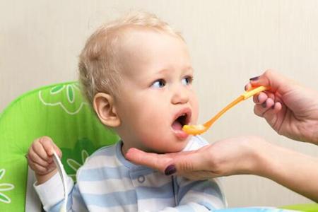 六个月的宝宝吃什么辅食?