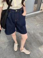 阔腿裤怎么搭配上衣 蓝色短裤搭配什么颜色上衣