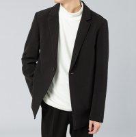 藏蓝色和黑色西服差别 纯春夏季什么颜色西服百搭