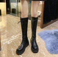 长筒靴会越穿越松吗 长筒靴适合什么样的人穿
