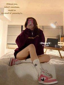 Nike小众球鞋分享粉色板鞋配韩系卫衣