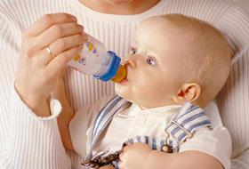 宝宝吃奶粉上火的原因 宝宝吃奶粉上火怎么办