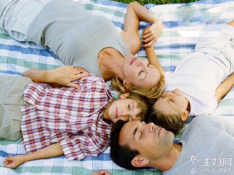 10岁男孩和父母睡好吗 10岁男孩和父母同睡危害大