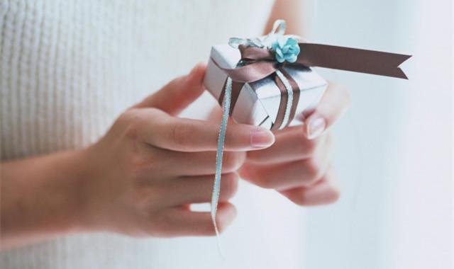送男的朋友生日礼物送什么好 给大家几个不错的推荐
