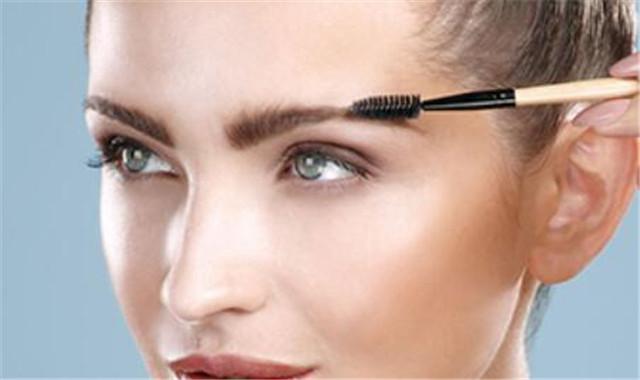 讲解如何自己画眉毛 神奇的化妆工具介绍