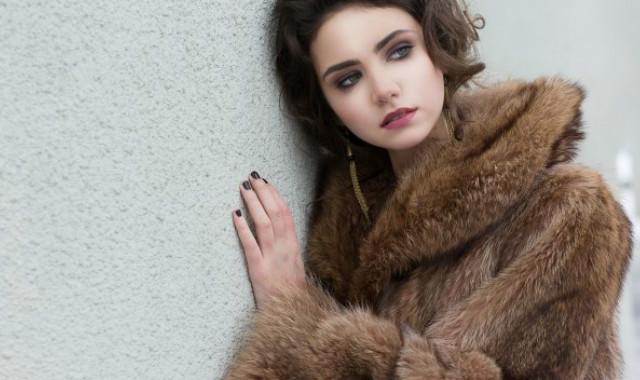 短款貂皮大衣如何搭配 两点建议教大家如何穿搭