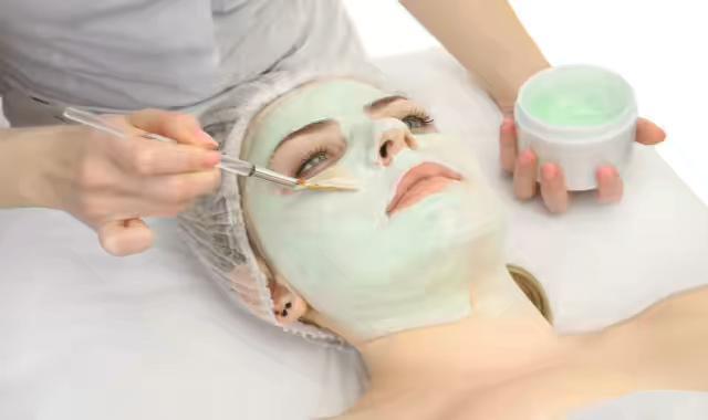 敷完面膜要洗脸吗 种类不同处理方法也有不同