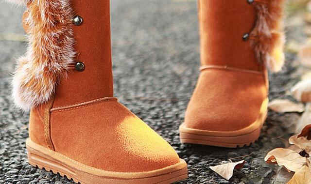 冬天穿长裙子配什么鞋 教大家如何赚足街上的回头率