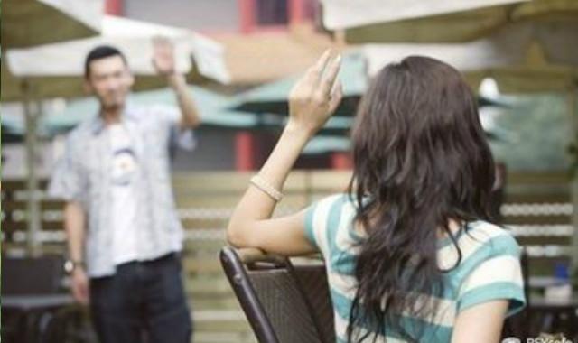 喜欢的女生和别的男生聊天 如何正确看待
