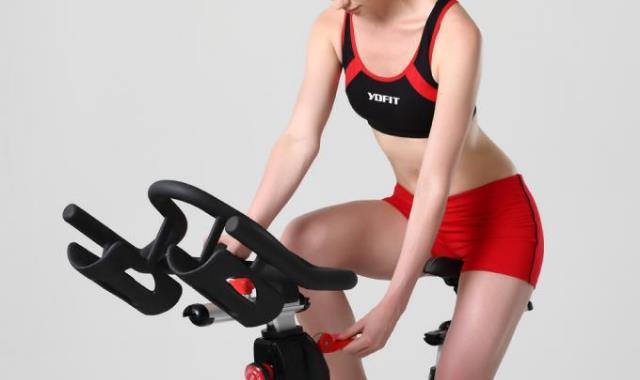 女性体型偏瘦的人如何健身 举重很重要