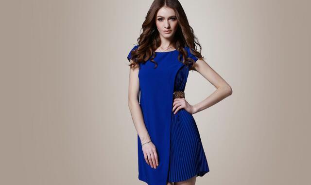 宝蓝色合适什么气质的人 应该如何选择宝蓝色服装搭配