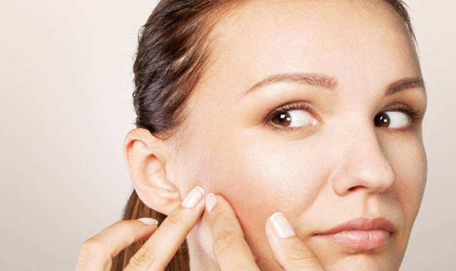 脸颊两侧长痘怎么排毒 四招简单小技巧帮你挣脱肌肤问题