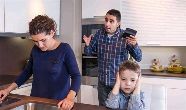 女儿跟爸爸吵架怎么办 这些方法要学会