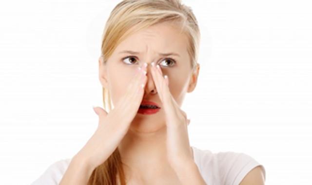 鼻子旁边长了个囊肿怎么办 有哪些消除的方法