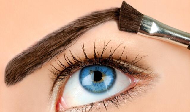 用眉笔会过敏吗 美丽女生一定要学习的化妆注意事项