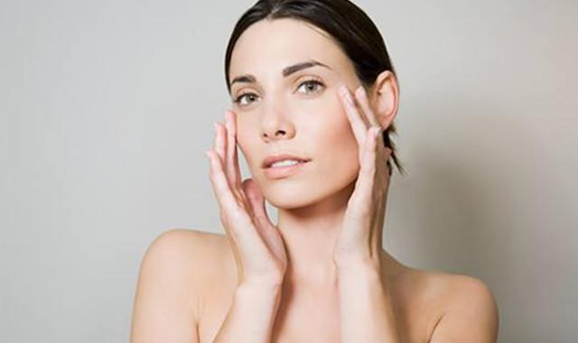 晚上擦护肤品的顺序 掌握正确的步骤是关键