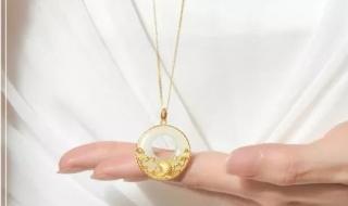 合适50岁女性的金项链?这六款尽显雍容华贵!