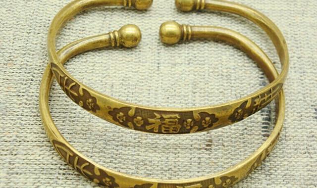 带铜手镯有什么好处你知道吗 懂得这些戴饰品更美观