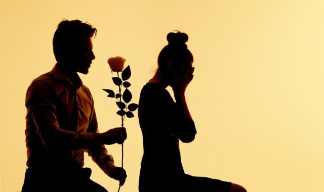 挽回女朋友触动心的话 拯救你们破碎的恋爱