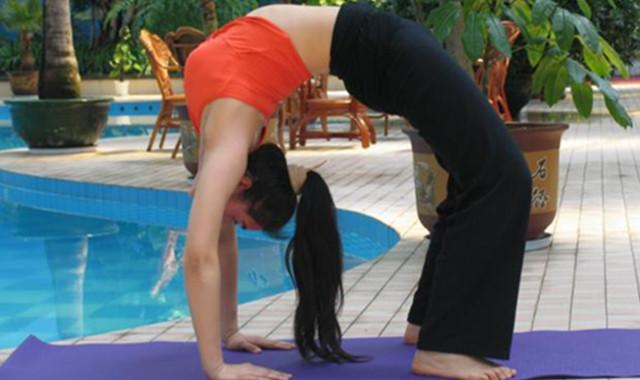下腰的正确方法图解 教大家轻松完成动作