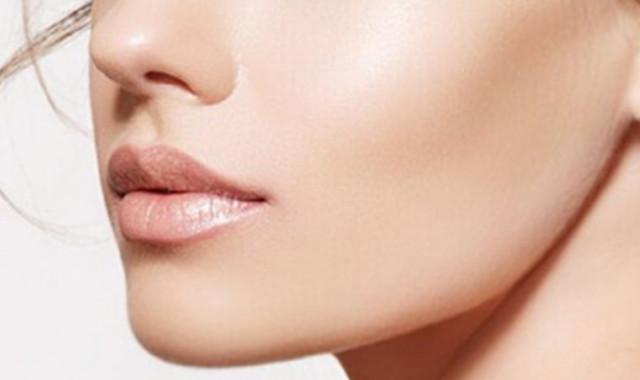 掌握正确的擦脸顺序 更好地保护肌肤