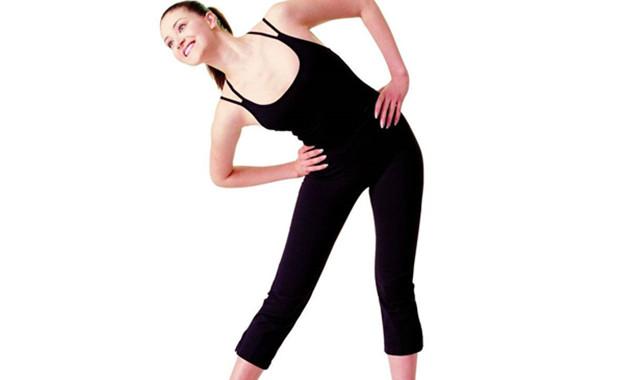 腰部力量锻炼怎么做 教大家有用方法让你的腰更有力
