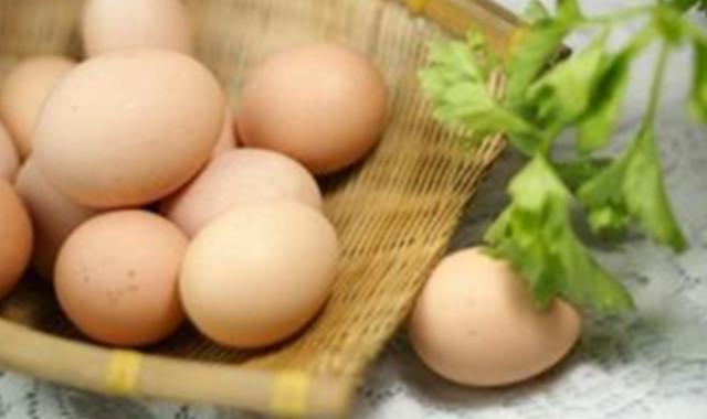 白酒泡鸡蛋的正确方法 这样做简单又方便