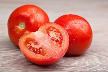 女人可以用西红柿减肥法 能健康不伤身体瘦身