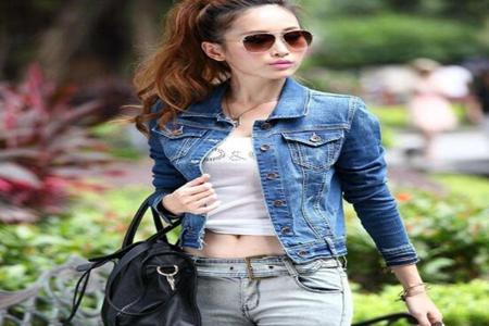 女人服饰显瘦的短外套 在街上能脱颖而出