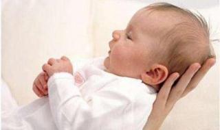 新生儿打嗝怎么办 如何治疗打嗝