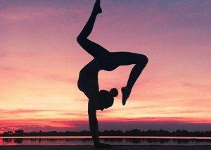 练瑜伽的好处 女生们都要学习的锻炼方式
