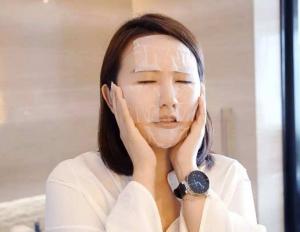 学会这样补妆 能够让妆容保持24小时